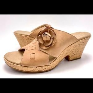 Clarks 10M Tan Platform Wedge Slides Sandals